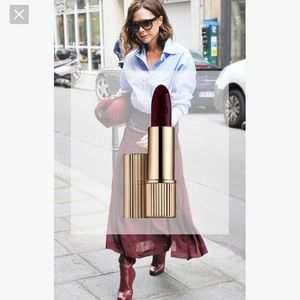 Victoria Beckham matte lipstick 03 black cassis